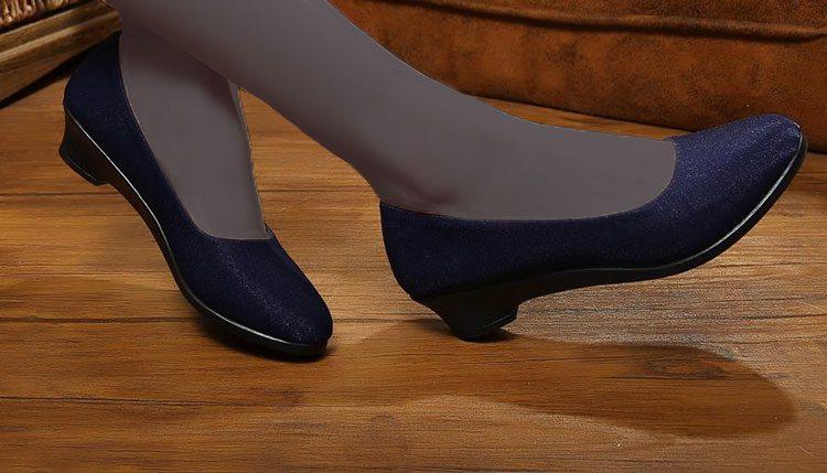 کفش پاشنه کوتاه مناسب بارداری