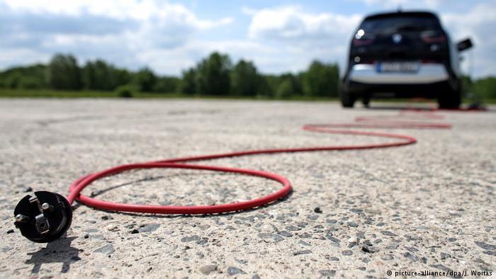 electric car / خودروی برقی