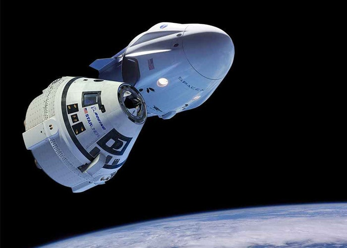 فضاپیمای سرنشین بر آمریکا