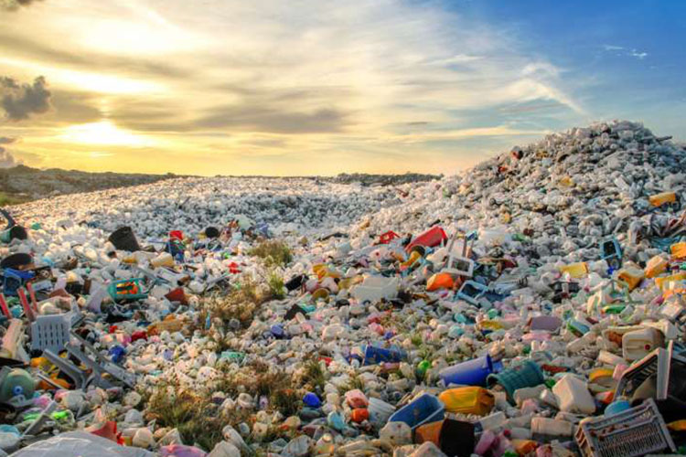 چرا زبالههای پلاستیکی قابل بازیافت نیستند؟