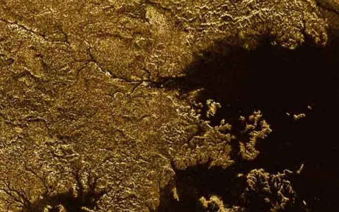 نقشه توپوگرافی تیتان