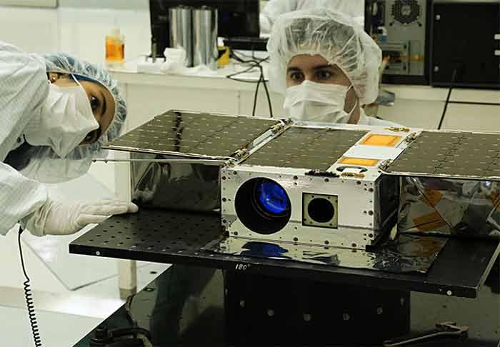 ماموریت ماهوارهی آستریا