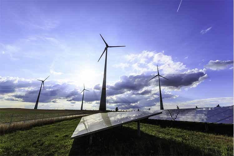 توربینهای بادی و پنلهای خورشیدی