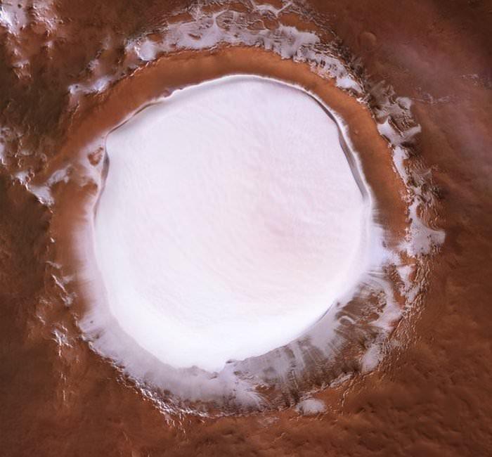 حفره یخ مریخ / Korolev crater