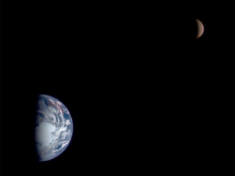 تصویر زمین توسط NEAR