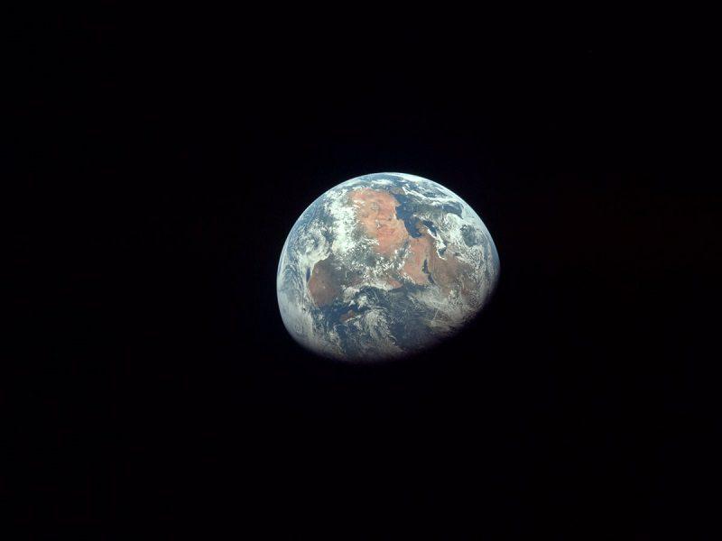تصویر زمین توسط آپولو ۱۱