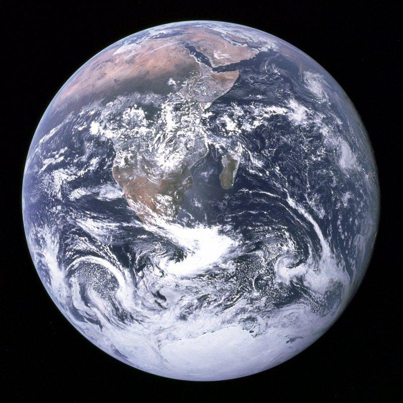 تصویر زمین توسط سرنشین آپولو ۱۷