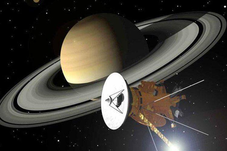 کاوشگر کاسینی در مدار زحل