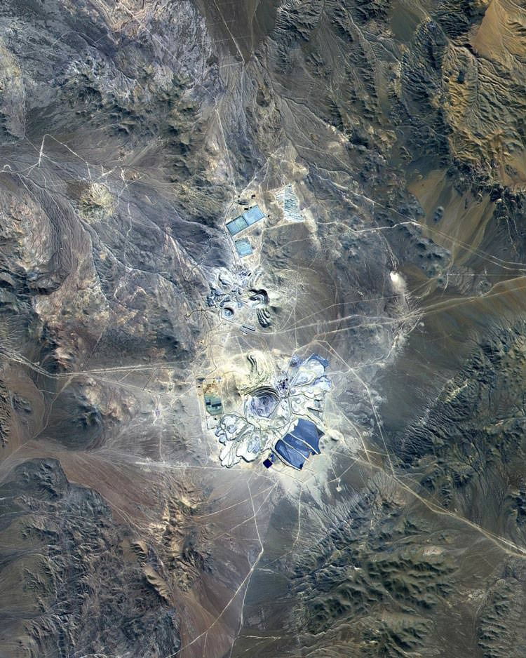 معدن اسکاندیدا