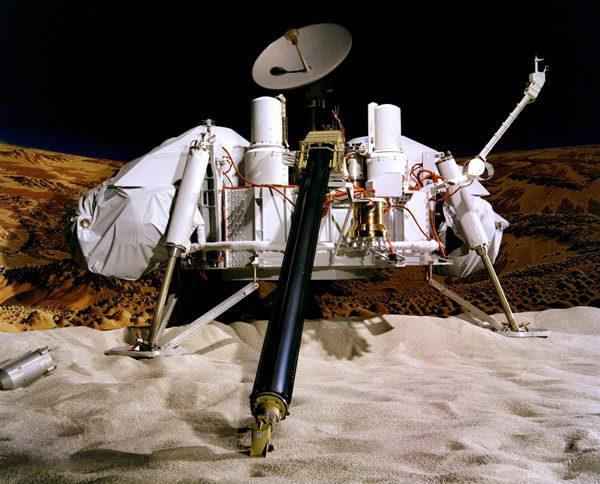 2-viking-lander