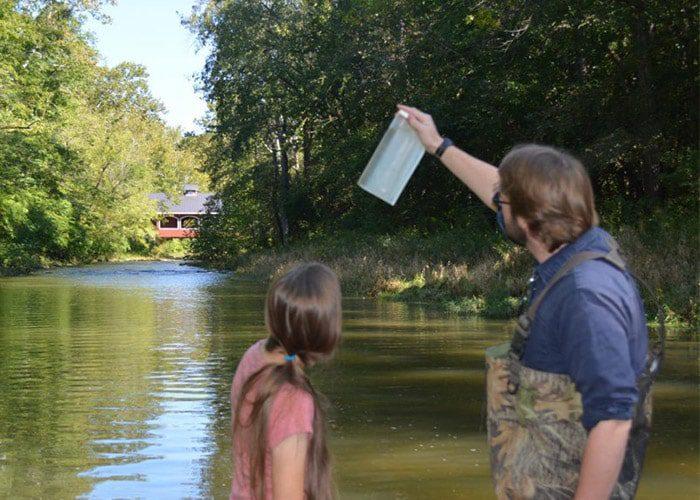 جمع آوری نمونه از آب