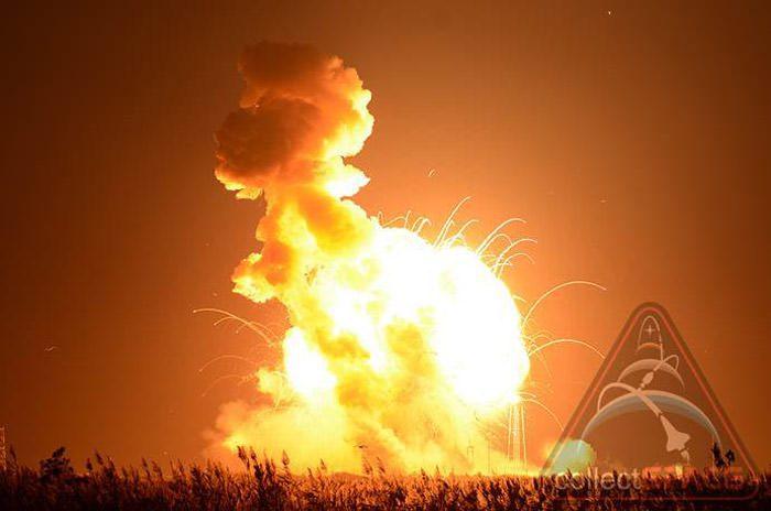 antares-rocket-explosion-3