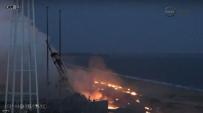 antares-rocket-launch-explosion-flames