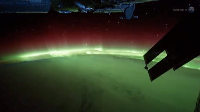 northern-lights-space-station