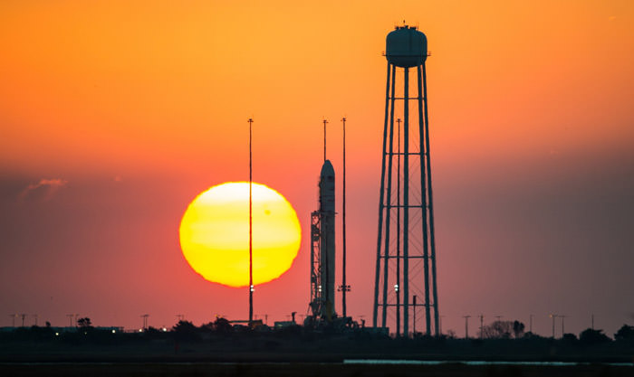 orb3-cygnus-orbital-science-sunset