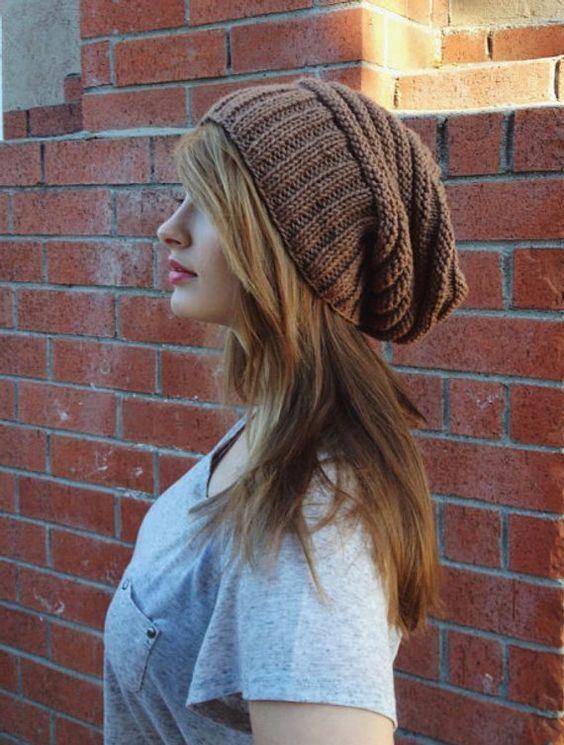 کلاه بافتنی زنانه مدل شل و منگوله دار